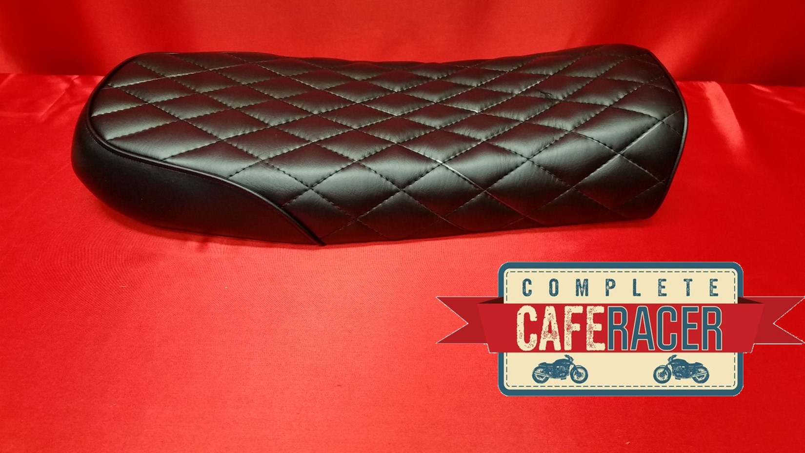(BS7) BRAT / SCRAMBLER STYLE CAFE RACER SEAT FINISHED IN BLACK LEATHERETTE