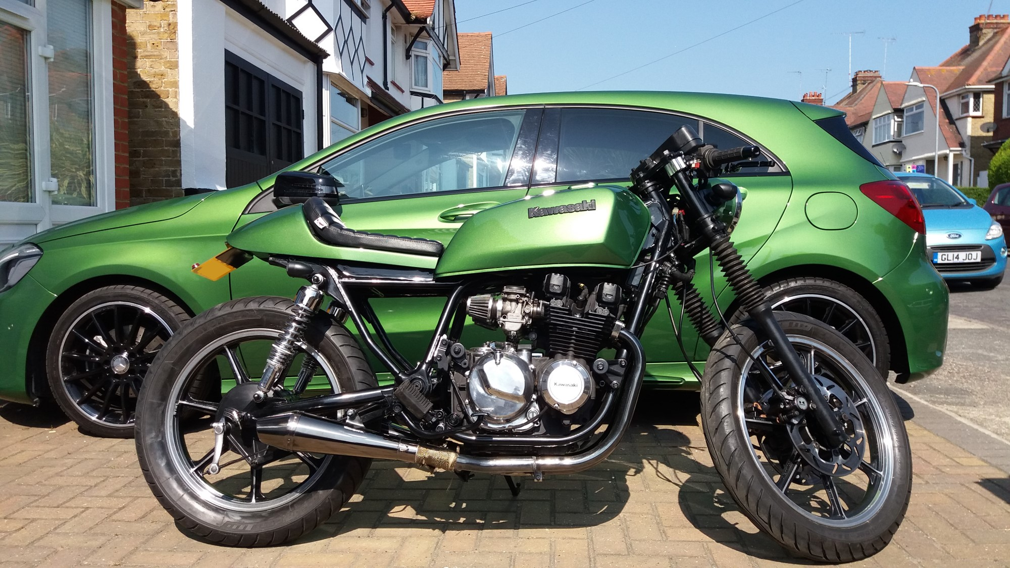 Peter's Kawasaki GT550 finished in Mercedes Elbaite Green