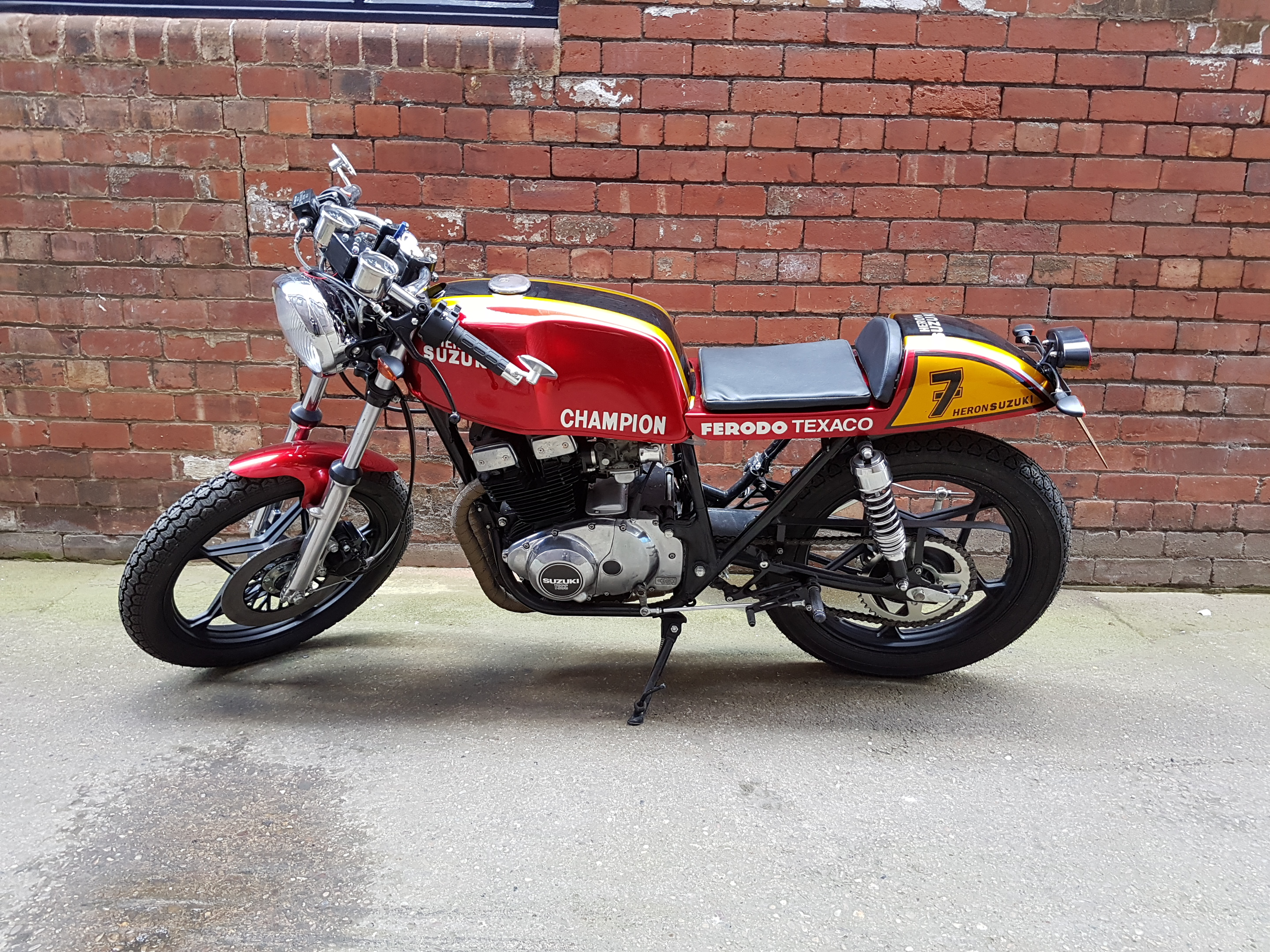 Suzuki GSX250 Barry Sheene Inspired